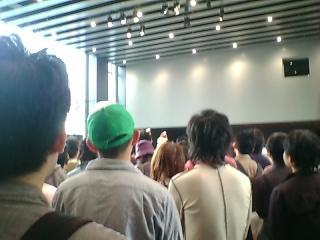完全メイド宣言ライブ、左斜め前から撮影