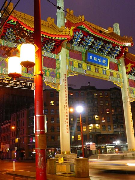 チャイナタウンの門
