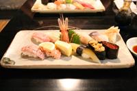 小樽で食べた寿司。あぶりサーモン&トロが絶品!!