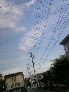 電線が邪魔…