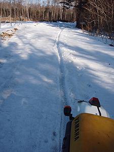 雪解け林道2
