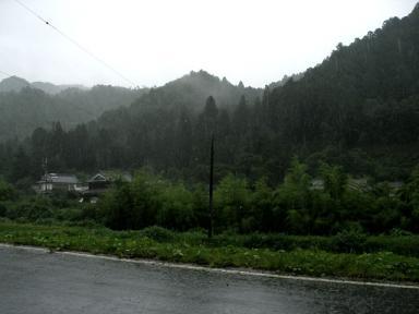 里の雨 7月