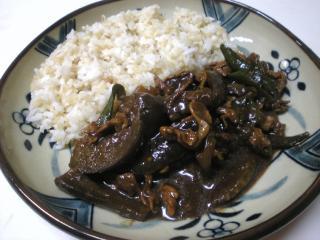 挽き肉と野菜のタイ風炒め合わせごはん