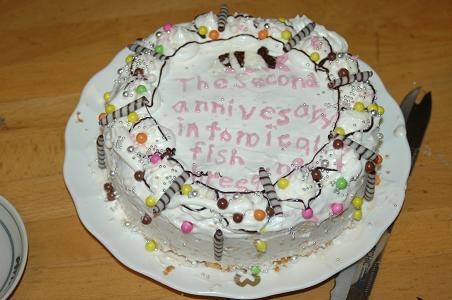 じゃじゃーん!熱帯魚飼育2周年記念ケーキ!