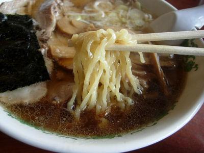 琴平荘ラーメン麺