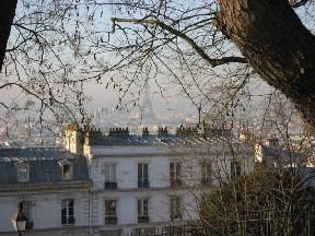 モンマルトルからエッフェル塔を望む