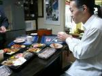 @茶碗さん邸で村山義光氏と僕はお昼のお弁当を頂きました