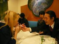 藤村麻紀ねえさん、まずはいっぷく。と村山義光氏