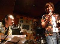 g村山義光氏のギター伴奏に挑む藤村麻紀門下生 矢野里佳さん