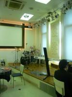 会場【KOKO PLAZA ココプラザ 青少年文化創造センター】のレストラン内ステージ
