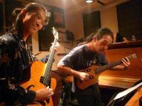 大阪からわざわざお越し頂いたギタリストさんとg村山義光氏のギターデュオ