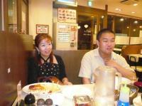 ご食事中のvo高橋亜希子さんと二番弟子さん