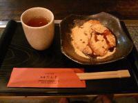 京都・祇園【PickUp】近所のお好み焼き屋【たんと】にて、あべかわ餅