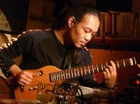 村山義光氏のギターソロ演奏