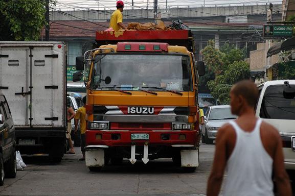 マニラのゴミ収集車