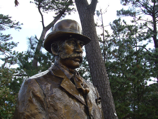 高島のトーマス・グラバー像