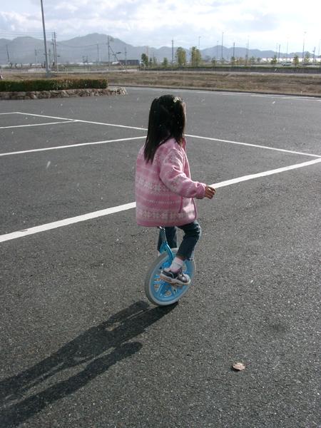 2006.12.29佑佳一輪車1