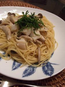 帆立てとキノコのスパゲッティ ガーリック風味