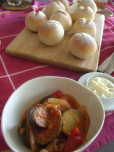 丸パンとラタトュイユ
