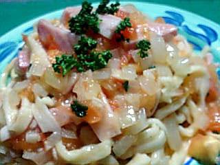 ウチゴハン:トマトソースのパスタ