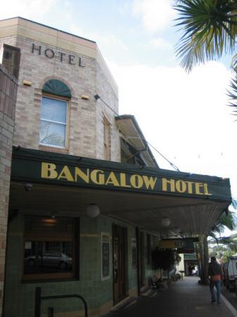 バンガローホテル