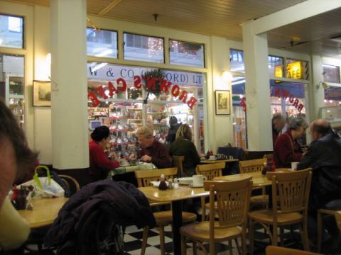 市場のカフェ1