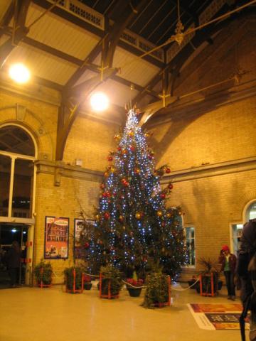 ヨーク駅のツリー