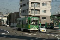 3304号@幌南小学校前電停付近