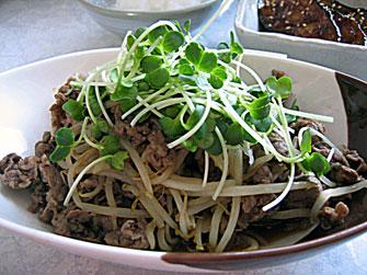 簡単レシピ 牛肉もやしの炒め物