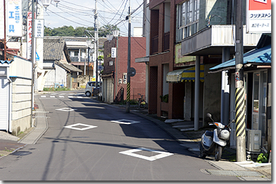 #011 岩瀬駅前「本町商店街」2