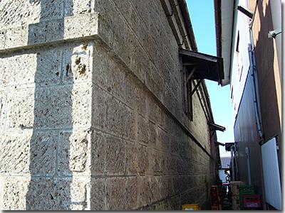 羽黒駅前石造り倉庫