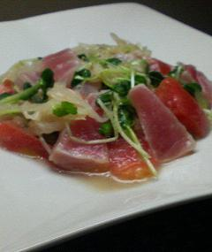 マグロとトマトのサラダ
