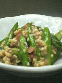 アスパラと納豆と梅