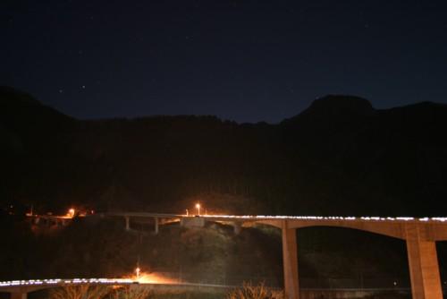 夜のループ橋