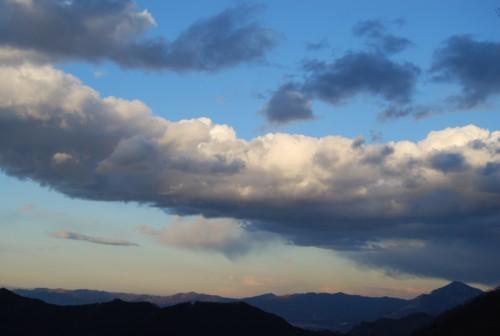 雲と武甲山