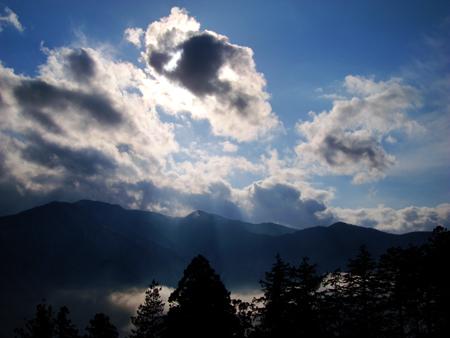 雲を従えた、和名倉山