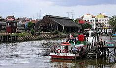 マラッカ川