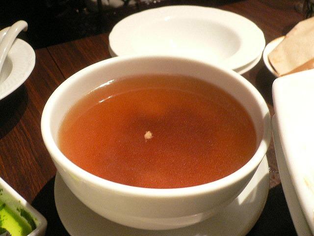 薬膳ぽい。優しい味のスープ。