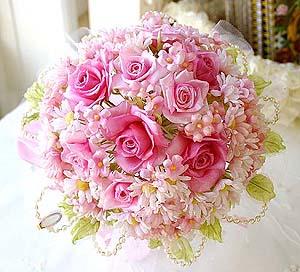ピンクの薔薇のブーケ