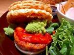 豆腐ハンバーグと温野菜のパイ添え