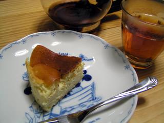 チーズケーキとラベンダーティー