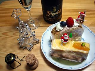 クリスマスツリーとケーキ