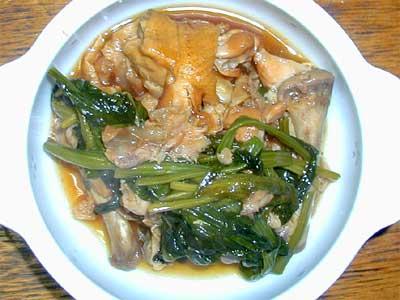 鶏手羽肉とほうれん草の煮物